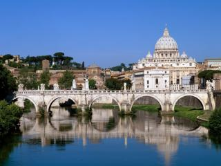 Obrazek: The Vatican Seen Past the Tiber River, Rome, Italy